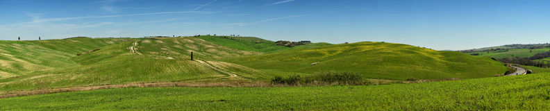 ` ORCIA, TOSCANA/ITALIA DI SAN QUIRICO D - 31 MARZO 2017: Vista di panorama delle colline verdi in orcia val del ` del ` d, vicin Immagini Stock Libere da Diritti