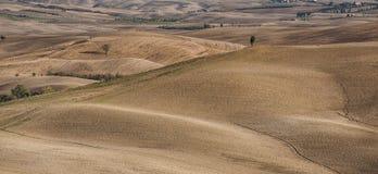 ` ORCIA, TUSCANY-ITALY VAL D, AM 30. OKTOBER 2016: Szenische Toskana-Landschaft mit Rolling Hills und Tälern im Herbst Stockfotos