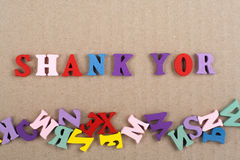 Ord för LÄGG YOR på träbakgrund som komponeras från träbokstäver för färgrikt abc-alfabetkvarter, kopieringsutrymme för annonstex Fotografering för Bildbyråer
