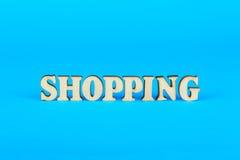 Ord från shoppingen av träbokstäver fotografering för bildbyråer