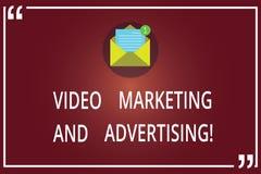 Ord som skriver text den videopd marknadsföringen och annonserar Affärsidé för kuvert för strategi för optimization för befordran arkivbilder