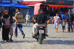 Ordem da conserva de Tunísia da polícia na cidade da patrulha da motocicleta de Sousse Imagens de Stock Royalty Free