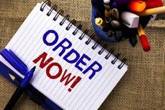 Ordem do texto da escrita da palavra agora Conceito do negócio para o registro do produto da loja da promoção de venda do negócio fotos de stock