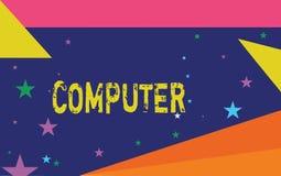 Ordenador de la escritura del texto de la escritura Dispositivo electrónico del significado del concepto capaz de recibir los dat fotografía de archivo
