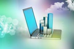 Ordenador portátil con el gráfico financiero Foto de archivo libre de regalías