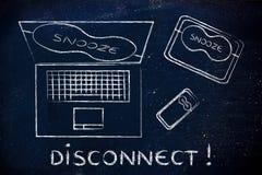 Ordenador portátil, teléfono y tableta con la máscara de ojo: ¡desconexión! imágenes de archivo libres de regalías