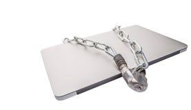 Ordenador portátil y cadenas V imagenes de archivo