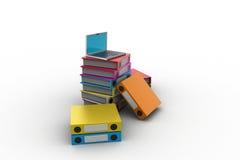 Ordenador y carpetas para los documentos Imágenes de archivo libres de regalías