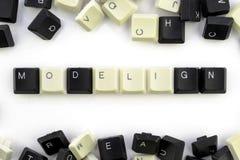 Ordenadores e inform?ticas en industrias y campos de la actividad humana - concepto modelado en un fondo blanco del foto de archivo