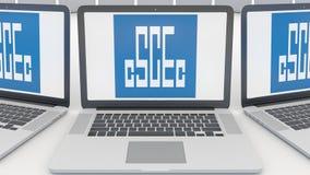 Ordenadores portátiles con el logotipo de China State Construction Engineering Corporation en la pantalla Informática conceptual Imagen de archivo libre de regalías
