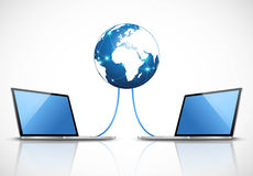 Ordenadores portátiles conectados con Internet Imagen de archivo libre de regalías