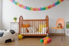 Ordentlicher gelieferter Babyraum Lizenzfreies Stockfoto