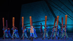 """The order of commendation-Dance drama """"The Dream of Maritime Silk Road"""". Dance drama """"The Dream of Maritime Silk Road"""" centers on the plot of two stock photos"""