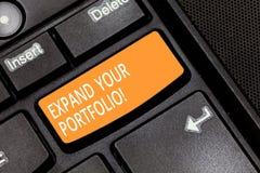 Ordhandstiltext att utvidga din portfölj Affärsidéen för Define det nya företaget s är mål och framgångmetrik royaltyfri fotografi
