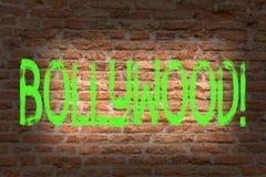 Ordhandstiltext Bollywood Affärsidé för konst för vägg för tegelsten för bio för underhållning för Hollywood filmfilm som grafitt royaltyfri illustrationer