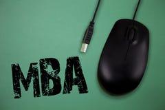 Ordhandstiltext Mba Affärsidé för avancerad grad i affärsfält liksom administration och marknadsföring royaltyfria bilder