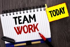 Ordhandstiltext Team Work Affärsidé för för samarbete som för grupparbete tillsammans samarbete för enhet för prestation är skrif royaltyfria foton