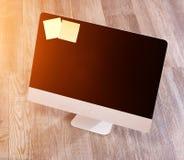 Ordinateur dans la définition élevée avec l'ordinateur portable, le comprimé et le mobile Photos libres de droits