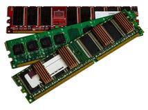 Ordinateur de mémoire RAM de la RDA de quelques modules sur le fond blanc Image stock