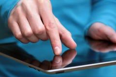 Ordinateur de tablette de fixation Photos libres de droits