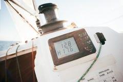 Ordinateur de voilier pour des données nautiques Photographie stock libre de droits