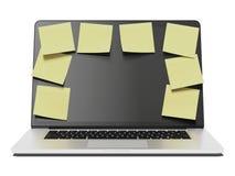 Ordinateur portable avec beaucoup de notes jaunes de bâton Photographie stock