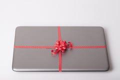Ordinateur portable comme cadeau Photo libre de droits