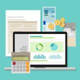 Ordinateur portable d'application de calculatrice d'argent de bilan de logiciel de comptabilité Photos stock