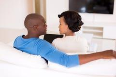 Ordinateur portable de couples d'afro-américain Image libre de droits