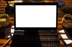 Ordinateur portable de fin de l'après-midi avec le chemin de coupure Image libre de droits