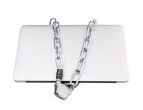 Ordinateur portable et chaînes VI photographie stock libre de droits