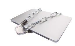 Ordinateur portable et chaînes VIII photos libres de droits