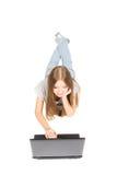 ordinateur portatif de fille joli Photographie stock libre de droits
