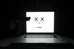 Ordinateur tué par le criminel de cyber Photo libre de droits