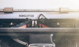 Ordinformationsblad som är skriftligt på den manuella skrivmaskinen Royaltyfria Bilder