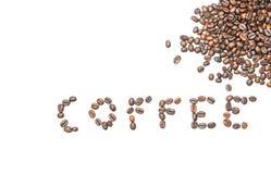 Ordkaffe från kaffebönor med kopieringsutrymme på isolerad vit bakgrund fotografering för bildbyråer