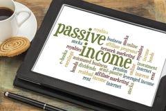 Ordmoln för passiv inkomst arkivfoto