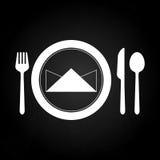 Ordna till att äta middag tabellen med skeduppsättningen Royaltyfri Fotografi