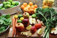 Ordna till till fruktsaft arkivfoto