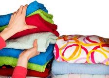 Ordnade handdukar arkivbilder