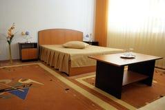 ordnat hotellrum Royaltyfria Bilder
