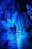 ordnin grottatakgibraltar michaels som visar st-stalactitesstalagmites Royaltyfria Bilder
