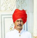 Ordningsvakt i den storslagna slotten av Jaipur Royaltyfri Foto