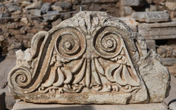 Ordre architectural dans la ville antique d'Ephesus Photos stock