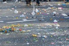 Ordures après le carnaval Images stock