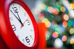Ore di Natale su un fondo luminoso Fotografie Stock
