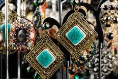 Orecchini dei gioielli con le gemme Fotografia Stock Libera da Diritti