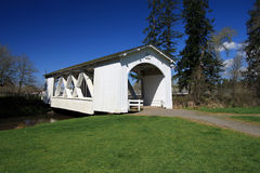 Oregon-abgedeckte Brücke Lizenzfreies Stockfoto