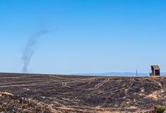 Oregon avdelningskontorbrand - tusentals tunnländer brände dammjäkel royaltyfri fotografi