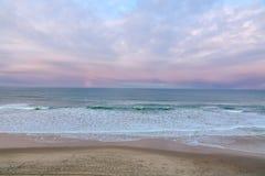 Oregon-Küsten-Strand-Sonnenuntergang, Pazifischer Ozean stockfoto